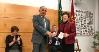 Victoria Scout Group present donation to Dar Guzeppa Debono