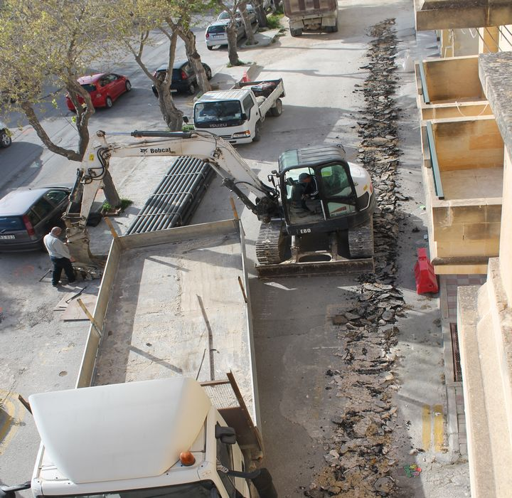 Renovation of roads around Gozo Hospital should be of high standard