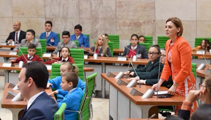 EkoSkola in Parliament discusses the environment and plastic waste