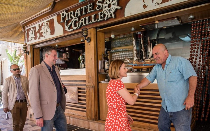 Gozo Minister and Tourism Minister visit Xlendi establishments