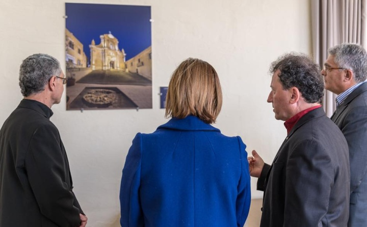 Gozitan photographer Daniel Cilia donates photos to the Gozo Campus