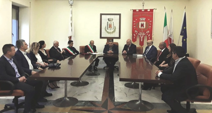 Xewkija delegation visits twinned village of Castelvenere in Italy