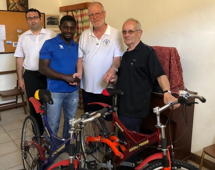 Rotary Club presents two more bicycles for refugees in Gozo