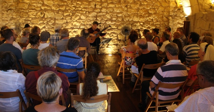 Gaulitanus end-of-season concert with guitarist Fabio Barbagallo
