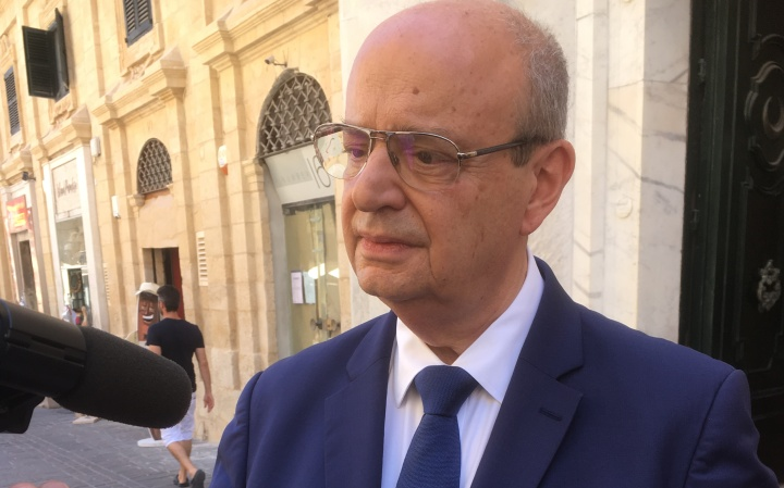Zammit Dimech once again appeals for free needles for diabetics