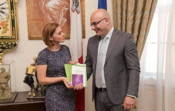 Maltese per Stranieri series presented to the Minister for Gozo