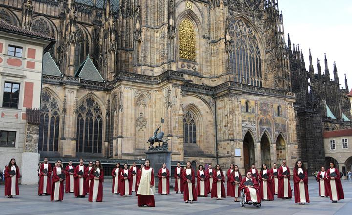 Schola Cantorum Jubilate enjoys successful tour to the Czech Republic