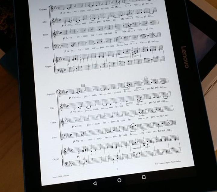Chorus Urbanus becomes eco-friendly using tablets, not printed scores