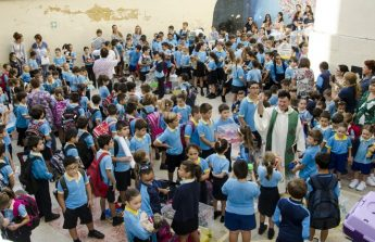 GC Victoria Primary students and pets celebrate Feast of St Francis