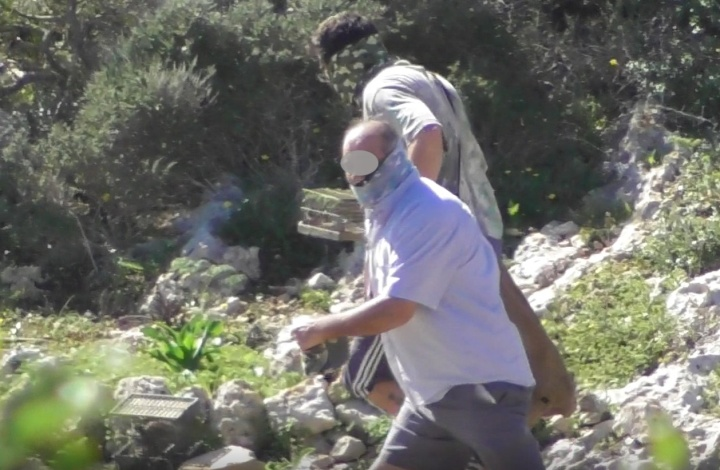 Poachers hide their faces, running away from Police in Gozo - CABS