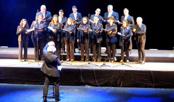 The Gaulitanus Choir participates in the annual Corsica Festival