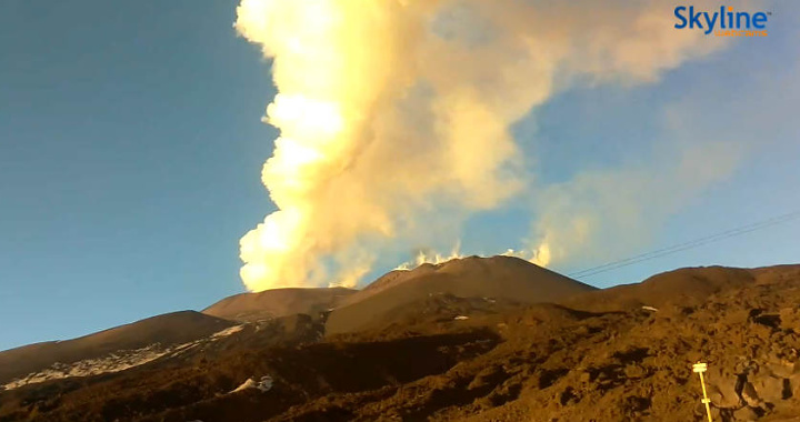 Health Authorities warn of possible health effects from Etna eruptions