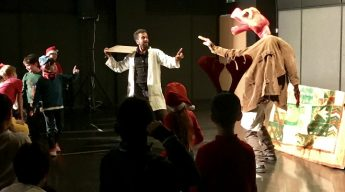 Science and Theatre entertains Russian children and researchers