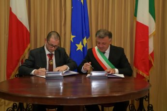 Nadur signs its 3rd twinning arrangement, this time with Zafferana Etnea