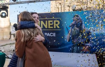 Michela Pace given huge welcome in Victoria by fans and supporters