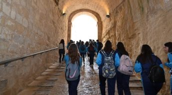 Heritage Malta welcomes Gozitan Year 10 students on visit to Fort St Angelo