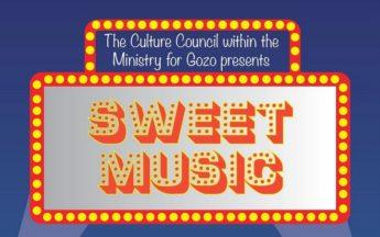 Sweet Music in Narrow Street - Phantom of the Opera on big screen